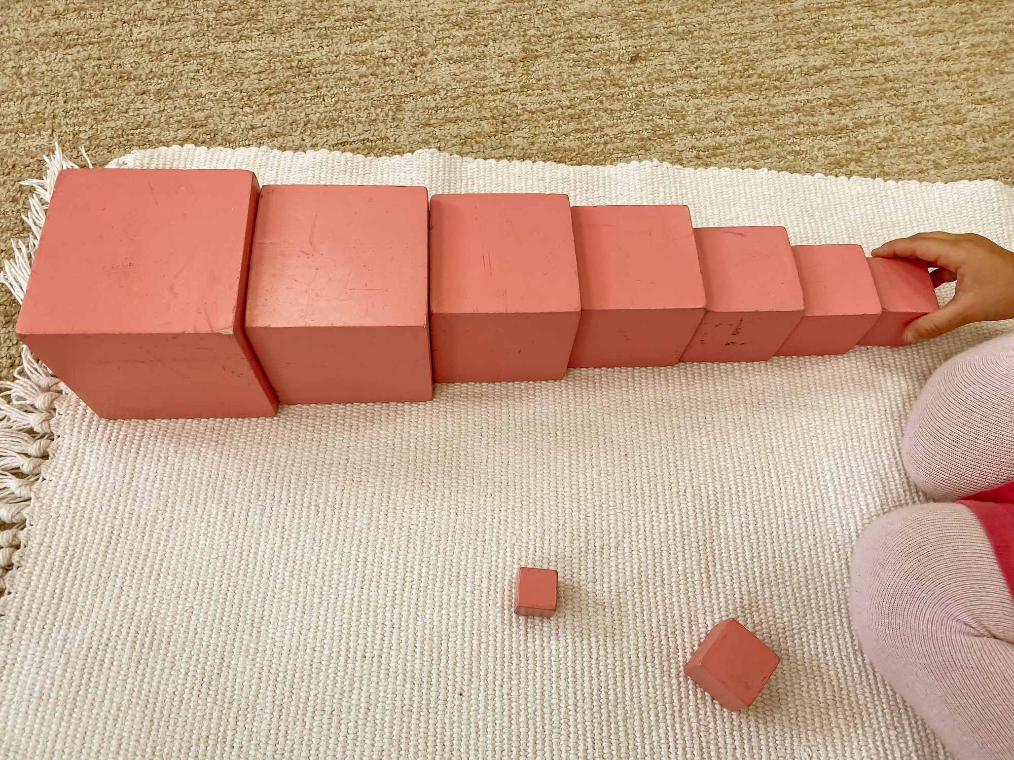 Montessori material sensorics touch pink tower